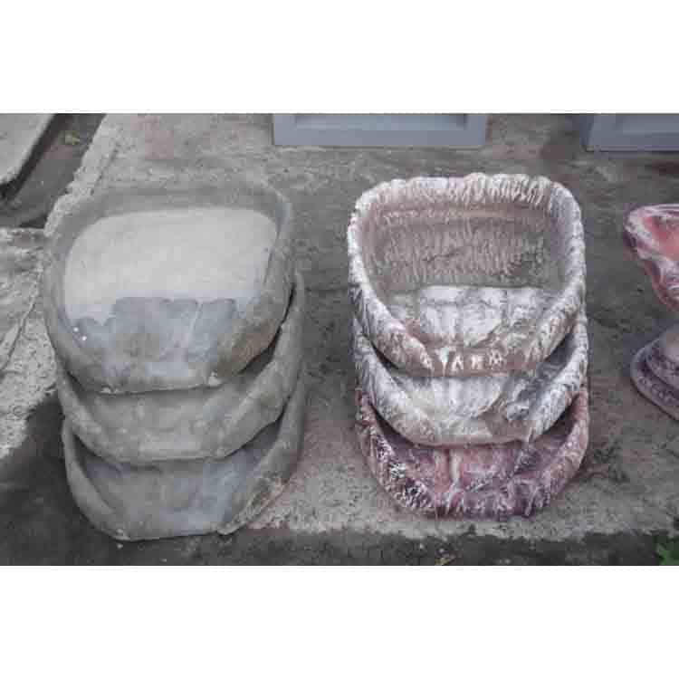 каскад из бетона